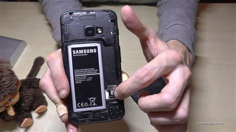 Samsung Galaxy XCover 4: How to remove the SIM Card? - YouTube