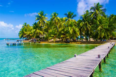 Sailing Holiday in Belize - Yacht Vacation Belize