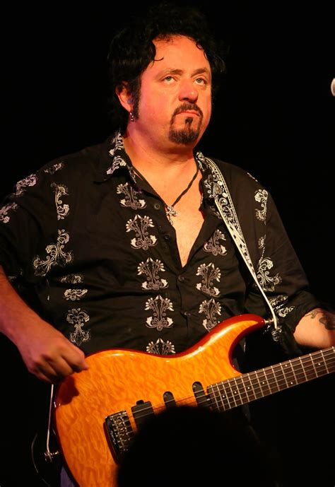 Steve Lukather Photos Photos - Steve Lukather Passing the